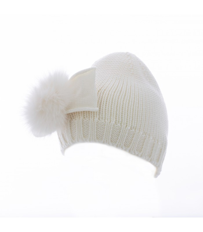 Hat in merino wool realized with wool...