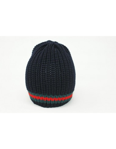 Hat realized in 100% merino wool made...