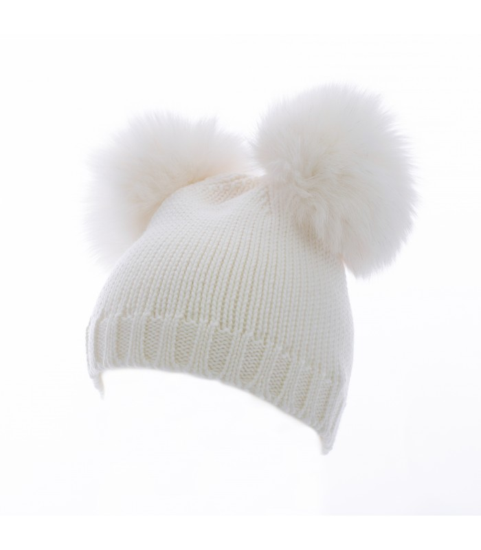 Hat realized in 100% shaved merino...